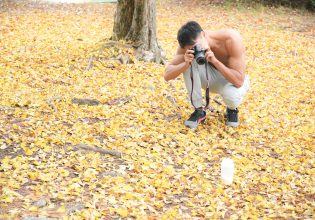 小さい秋見つけたマッチョ@フリー素材 秋/reference photo for drawing muscle/date at the park