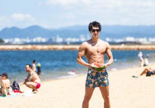 海とスイカとマッチョ4/reference photo for drawing muscle at the beach@モデル 筋肉