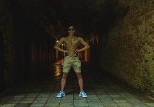ダンジョンにマッチョが現れた1・reference photo for drawing muscle at forest /dungeon@フリー素材 筋肉