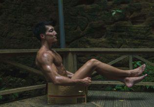 遺跡に捨てマッチョ4/reference photo for drawing muscle at forest /dungeon/box macho@フリー素材 筋肉