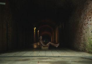 ダンジョンに捨てマッチョ1/reference photo for drawing muscle at forest /dungeon@ダンジョン フリー素材