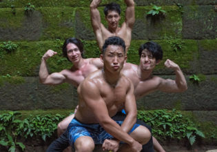 森の精霊マッチョ(縦写真)/reference photo for drawing muscle at forest /dungeon@フリー素材 筋肉