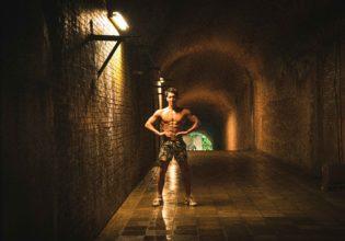 ダンジョンにマッチョが現れた3/reference photo for drawing muscle at forest /dungeon@フリー素材 筋肉