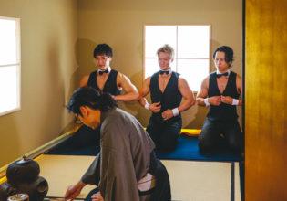 抹茶を待つマッチョ/reference photo for drawing muscle /japanese tea party/maccha@フリー素材 筋肉
