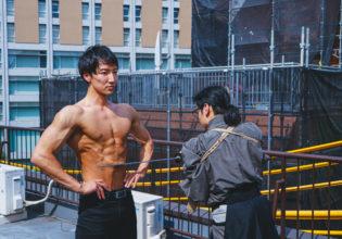 防弾腹筋で刀を受けるマッチョ/reference photo for drawing muscle /japanese SAMURAI@侍 フリー素材