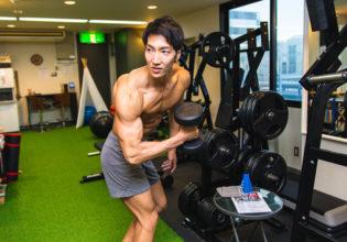 あれ?ダンベルどこやったっけ?/reference photo for drawing muscle/workout at gym@ジム 福岡 天神
