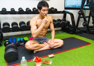 ジムで生活するマッチョ4/reference photo for drawing muscle/workout at gym@著作権フリー 画像 筋肉