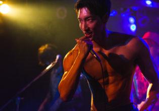 力強く歌うマッチョ/reference photo for drawing muscle /Rook band@筋肉 パフォーマンス