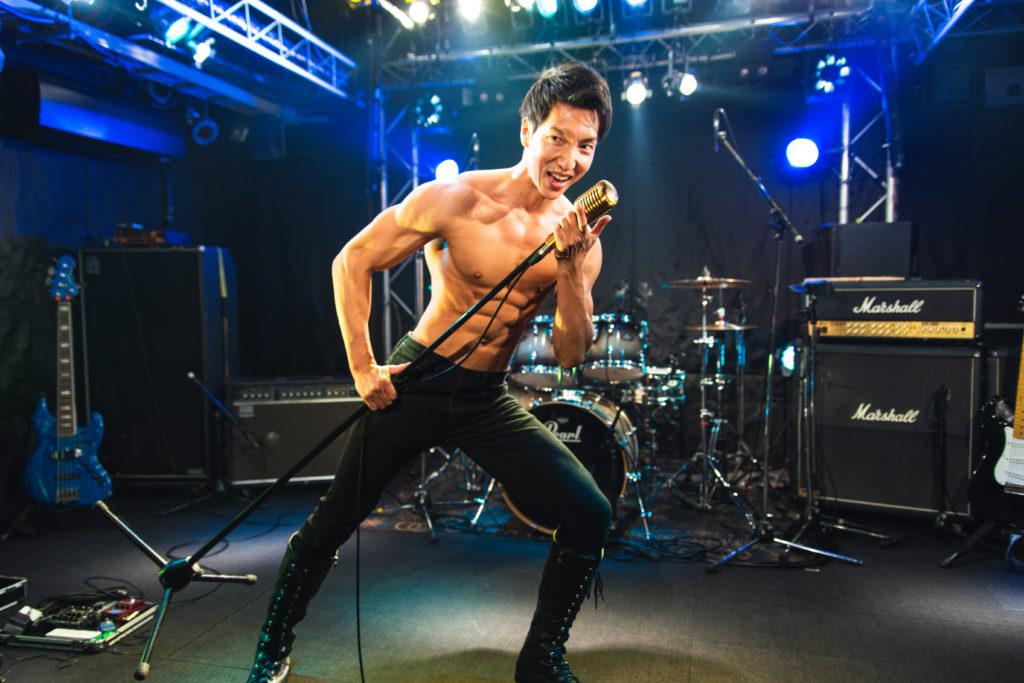歌うマッチョ/reference photo for drawing muscle /Rook band@写真 マッチョ