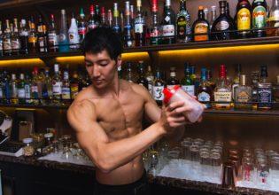 プロテインを作るマッチョ/reference photo for drawing muscle bartender@マッスル バー