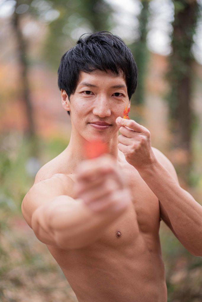 小さい秋見つけたマッチョ/reference stock photo muscle in autumn colors@モデル 筋肉
