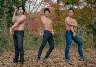 色づく森でジョ〇ョ立ちするマッチョ/reference stock photo muscle in autumn colors/jojo pose@フリー素材 マッチョ