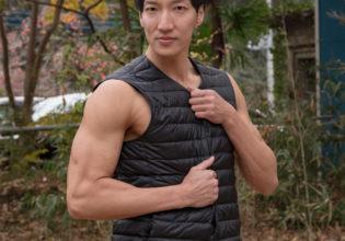 秋冬コーデなマッチョ(縦写真)/reference stock photo muscle in autumn colors@モデル マッチョ