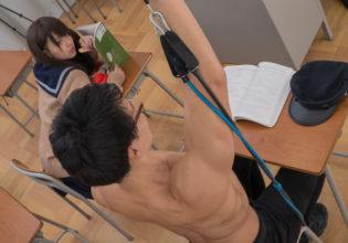 授業中も筋トレを欠かさないマッチョ@フリー素材 筋肉