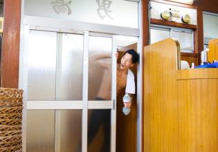 今日もやってる?/reference stock photo muscle at publicbath onsen@フリー素材 マッチョ