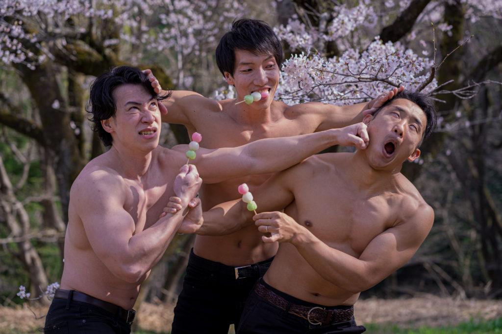 はいはい、団子は仲良く食べようね!@モデル 筋肉