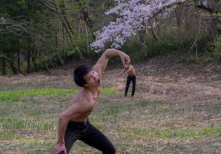 巨人に駆逐されるマッチョ(縦写真)@モデル 筋肉