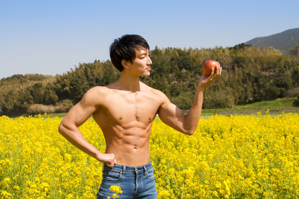 菜の花とりんごとマッチョ/reference stock photo muscle field of canola flower@フリー素材 筋肉