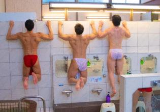 女風呂を覗こうとするマッチョ/reference stock photo muscle public bath@写真 筋肉