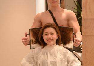 僕好みの女性になったね(縦写真)/reference stock photo muscle beauty salon@写真 マッチ