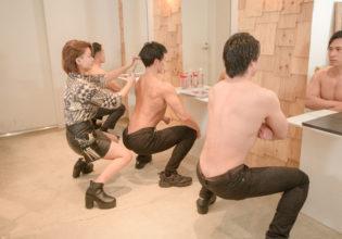 マッチョ専用美容室に椅子はいらない/reference stock photo muscle beauty salon@写真 マッチョ