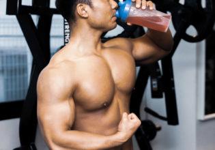 アミノ酸ドリンクを飲む大胸筋/reference stock photo muscle drinking water@アスリートモデル マッチョ