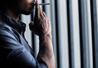 タバコを嗜む前腕/reference stock photo muscle@アスリートモデル マッチョ