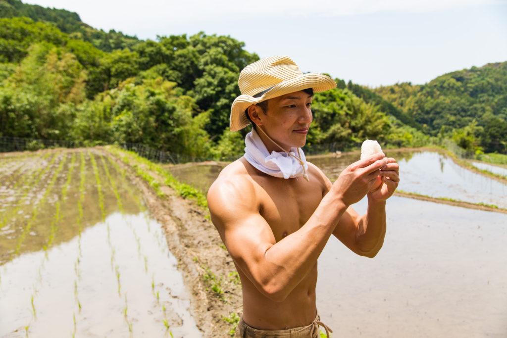 おにぎりとマッチョ/reference photo muscle rice@著作権フリー 画像 筋肉