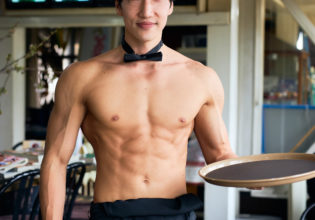 マッチョなカフェ/reference photo muscle coffee shop@著作権フリー 画像 筋肉