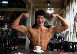 マッチョと喫茶店デートなうに使っていよ/reference photo muscle coffee shop@著作権フリー 画像 筋肉