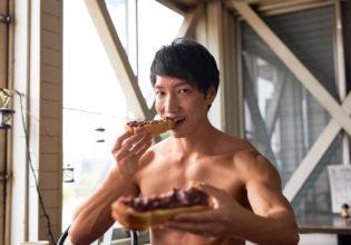君も小倉トースト食べるかい?@著作権フリー 画像 筋肉