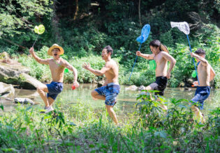 夏に冒険するマッチョ/reference stock photo muscle summer vacation@フリー素材 筋肉
