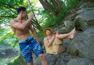 夏の終わりに捨てられるマッチョ/reference photo box macho@フリー素材 筋肉
