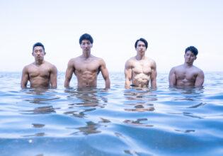 海に生えるマッチョ@著作権フリー画像 筋肉