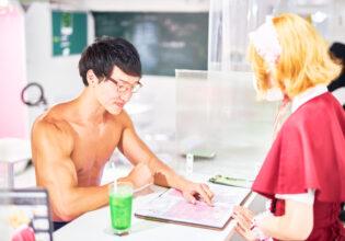 【メイド喫茶のマッチョ】フードメニューの成分を細かく聞くマッチョ/reference photo for drawing muscle/maid cafe@フリー素材 筋肉