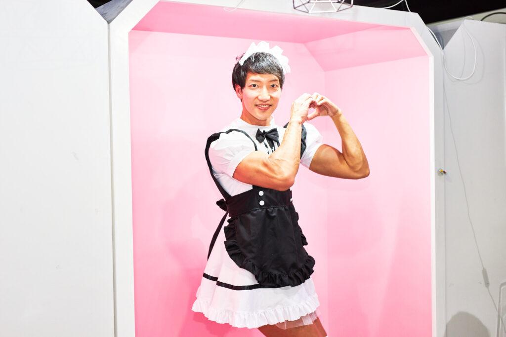 【メイド喫茶のマッチョ】ラブリーマッチョメイド/reference photo for drawing maid macho/maid cafe@メイド フリー素材