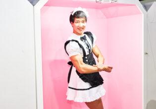 【メイド喫茶のマッチョ】メイドマッチョのサイドチェスト/reference photo for drawing maid macho/maid cafe@フリー素材 メイド