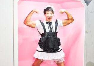 【メイド喫茶のマッチョ】メイドマッチョのダブルバイセプス/reference photo for drawing maid macho/maid cafe@フリー素材 メイド服