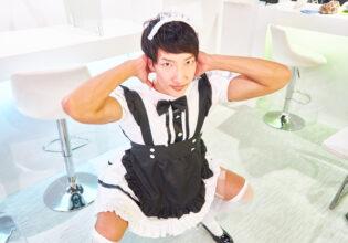 【メイド喫茶のマッチョ】開店前に筋トレするメイドマッチョ(スクワット)/reference photo for drawing maid macho/maid cafe@メイド 写真 フリー