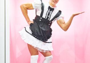 【メイド喫茶のマッチョ】ラブリーマッチョメイド/reference photo for drawing maid macho/maid cafe@フリー素材 筋肉