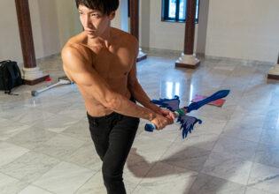 魔王と戦うマッチョ@フリー素材 筋肉